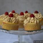 Cupcakes cu zmeura si unt de arahide