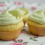 Briose aperitiv cu avocado si lime