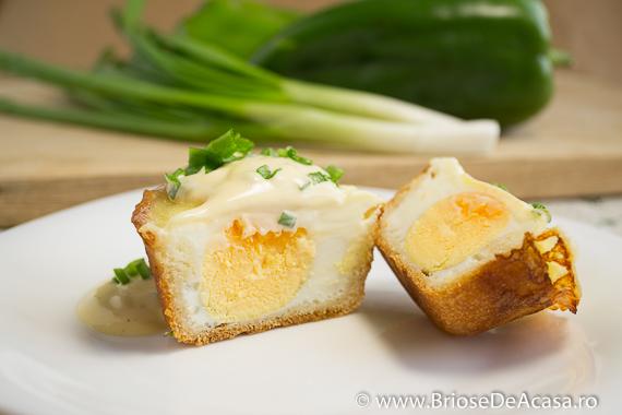 Briose aperitiv cu ceapa verde, ou si mozzarella