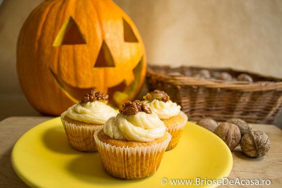 Cupcakes de Halloween cu dovleac si nuci