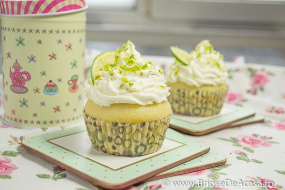 Cupcakes cu lamaie verde