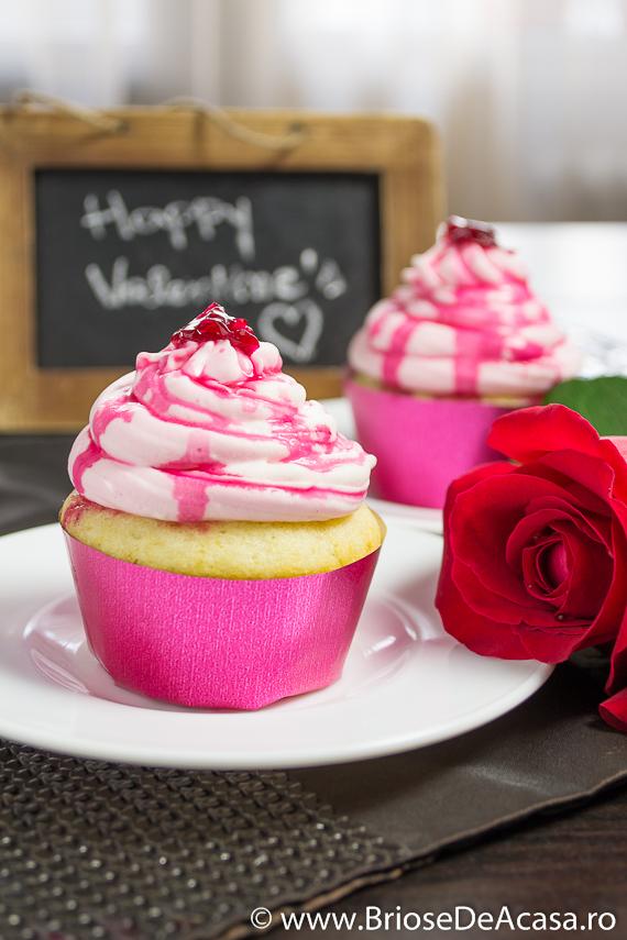 Cupcakes cu sirop de trandafiri, pentru indragostiti