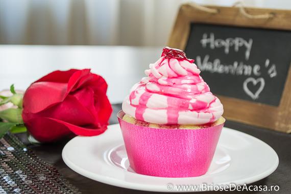 Cupcakes cu sirop de trandafiri