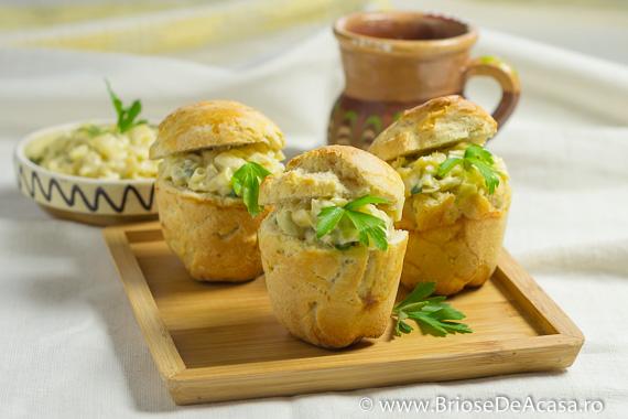 Briose sarate cu salata de ciuperci si fasole verde