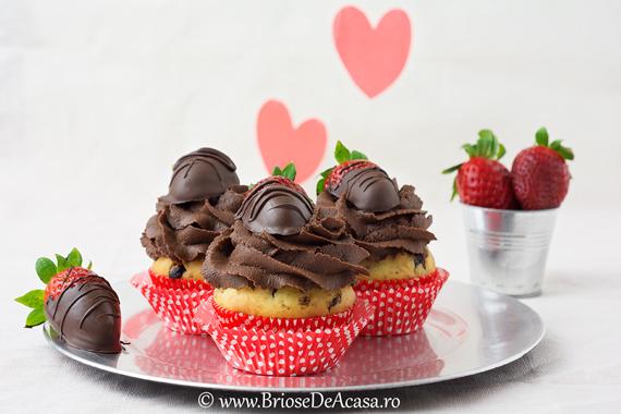 Briose Valentine's cu ciocolata si capsuni