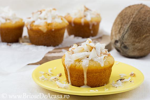 Briose de post cu nuca de cocos