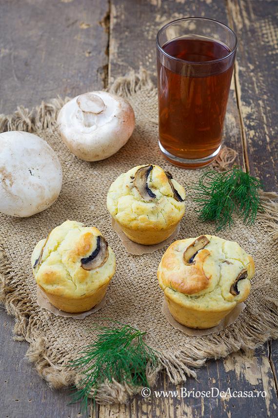 Briose aperitiv cu ciuperci, smantana si marar