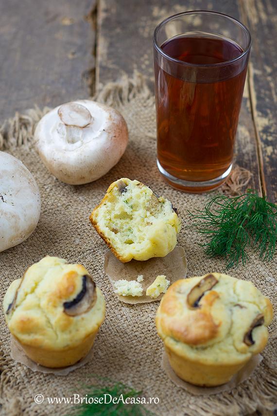Briose aperitiv de primavara, cu ciuperci si smantana