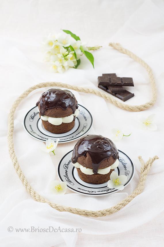 Briose cu ciocolata neagra si frisca