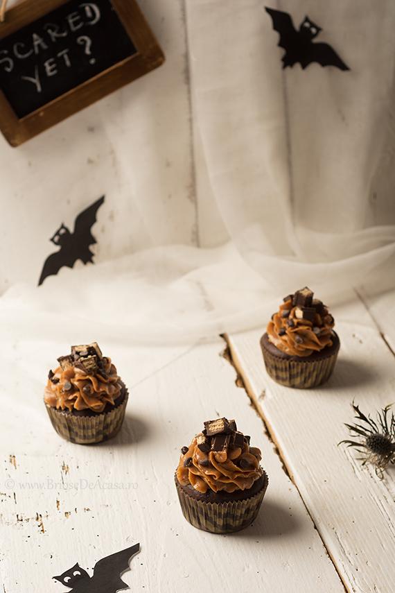 Halloween cupcakes cu dovleac si crema de ciocolata