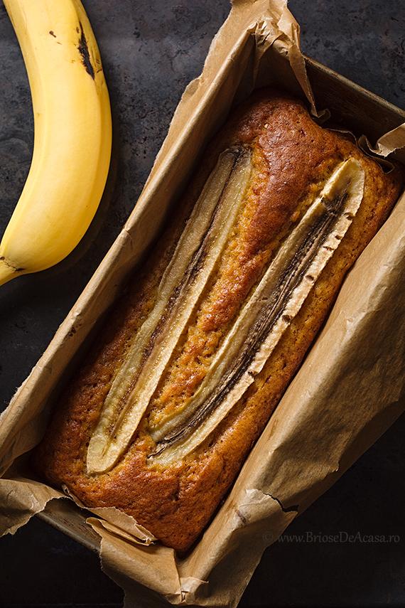 Chec dietetic cu banana si tarate de ovaz