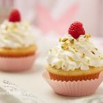 Cupcakes cu zmeura si fistic